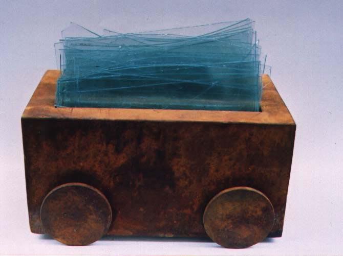 """""""Wagon der Treume"""" - Eisen, Glasscherben, 2000, 30x42x17 Cm"""